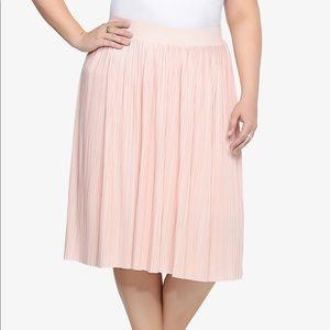 TORRID 2 2X Blush Pink Pleated Midi Skirt
